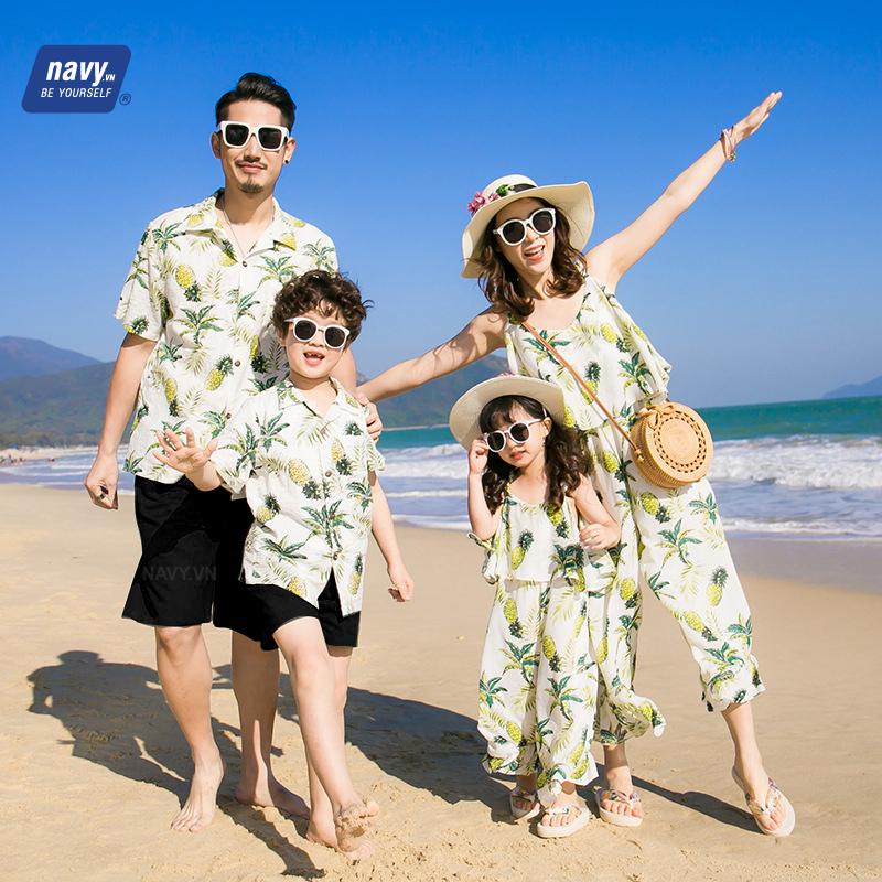 Áo gia đình đi biển mùa hè tuyệt chiêu xua tan cơn nóng